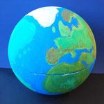 Die Erde ist von dem Zusammenhalt der Menschen abhängig!