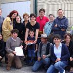 Les membres du jury du concours de clafoutis, avec la gagnante Amélia Lenoir (à droite).