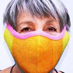Maske 24 THATSART by Waltraud Jungwirth, Dünne Strohborte, (Zellophan und Baumwolle), 2020, Innenfutter herausnehmbar und waschbar
