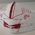 """Maske """"DER UNERLAUBTE KUSS"""" von Anita Münz, 3-lagige Kuhn-Spezial-Maske, eingenähtes Luftfiltervlies, handbemalt von Anita Münz, Obermaterial 96% Baumwolle, 4% Elastan, BCI zertifiziert, thermofixiertes Filtermedium, aus recyceltem PET-Material, waschbar"""
