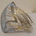 Tina Solovicova, 2020, Maske, versilberter Kupferdraht, metallisches Silberband, Aluminiumdraht, Größe variabel, handgefertigt / Unikat