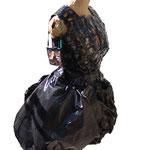 """VERSCHENKT Eva Hradil """"Kleines Schwarzes"""", Kondompäckchen, Müllsack, Kraftklebeband (für Künstlerhaus-Event zur Verfügung gestellt)"""