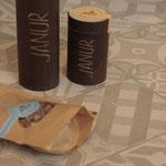 Neben den 2 verschidenen Bambigrößen gibt es auch lecker karamellisierte Cashews