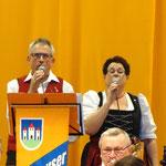Das Gesangsduo Anita und Josef