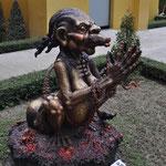 Der Tempel ist voll mit skurrilen Figuren