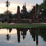 Abendstimmung im Sukhothai Historical Park
