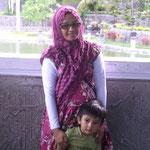Frau aus Java mit Sohn