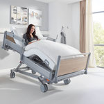 Mithilfe der Fußtieflage und der Liegeflächenverstellung nimmt das Puro die Cardiac-Chair-Position ein.