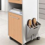 Der optionale Hausschuhhalter am Somero hilft dabei, Stolperfallen im Patientenzimmer zu vermeiden.