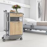Der Vitano ist ein flexibler Nachttisch für hohe Ansprüche im Krankenhausalltag.