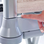 Die Entriegelungsschalter für die entnehmbaren Kopf- und Fußteile des Puro sind leicht zugänglich und bedienbar.