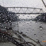 Ein kurzer Regenschauer kann Bikern und Schiffern den Tag nicht vermiesen!