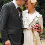 Ensemble de la mariée dans un style SEVENTISE (corset, robe, veste, jarretière)