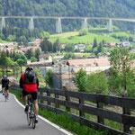 Kurz vor Gossensaß, im Hintergrund die Brennerautobahn.