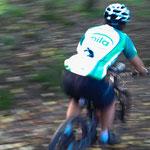 23. Oktober: Action im Montiggler Wald. Für ein Foto mit der Handykamera kein schlechtes Bild, oder?