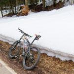 6. April: Fennberg, 1200 Meter Meereshöhe - der Winter lässt noch nicht locker.