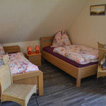 Zwei Schlafzimmer sind mit je 2 Einzelbetten ausgestattet.