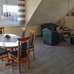 Essplatz und Sitzecke - Viel Platz für bis zu 6 Personen