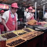 Night Food Market, da gibt es Dinge die man bei uns weniger sieht