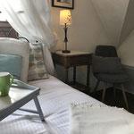 petit déjeuner au lit - Gîte de charme Douceur Angevine Gennes-Val de Loire