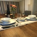 un petit repas en tête à tête - Gîte de charme Douceur Angevine Gennes-Val de Loire