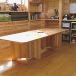 大きなテーブル  Jパネルで大工さんにつくってもらいました。