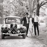 Didier mit einem glücklichen Paar  - Bild: Bärbel Kiffmeier