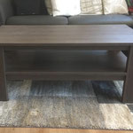 Tisch in Kunststoff