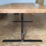 Tisch in Eiche mit Metallfüße
