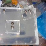 Acrylplatten für DryCell und Vorratsbehälter. Sie wurden einfach mit dem Winkelschleifer aus einer größeren Platten zugeschnitten.