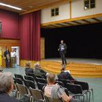 """In der Theaterhalle """"Spaßettl"""" in Tiefenbach"""