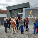 Vor dem Vulkan-Museum