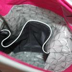 ... 2 geteiltte Einstecktasche aus Luisa in grau mit Reflektorband