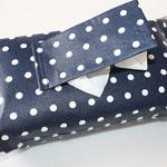 Design:  dunkelblau mit kl. weißen Punkten  NOCH ZU HABEN