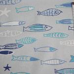 besch. Baumwolle - Fische blau, türkis, weiß mit Seesternen - hellgraugrundig - 1,6 m breit - AUSVERKAUFT