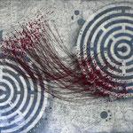 Sein - gespiegelt im Labyrinth #04, Asphalt, Acryl, Wachs, Ölkreide, Baumwollfaden, Leinwand, 100 x 120 cm