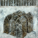 Taghaus / Nachthaus #02, Asphalt, Acryl, Wachs, Ölkreide, Leinwand, 80 x 60 x cm