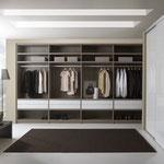 Begehbarer Kleiderschrank auf Maß