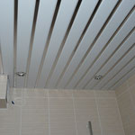 Реечный потолок Албес (рейка белая матовая 85 + вставка суперхром)
