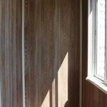 Стены - пластиковые панели Grosfillex (088), потолок - пластиковые панели (белый глянец)