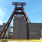 https://pixabay.com/de/images/search/zeche%20zollverein%20essen/