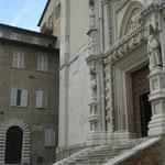 Portale della Chiesa di S. Francesco alle Scale