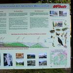 Hinweisschilder informieren über die Natur im Maisental