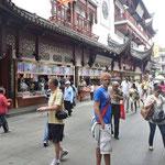 Tim  unterwegs in Asien mit seinem MessengerBag .