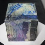 Würfelchen I,  Tusche, Pigmente in Öl und Wachs auf Holzwürfel 5x5x5,  März 2018