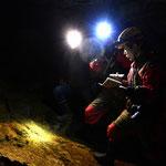 Caving 洞穴探險