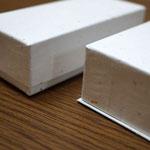 かぶせ型と底板付きのデコ型で別注作製した手づくりチョコレート用の貼り箱