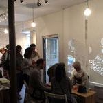 パリデザインウィーク2015で開催したお茶会にデザインを切り抜いた大判和紙を活用