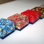 千代紙5柄を使って別注で作製した小さな貼り箱