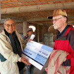 Uebereichendes Checks der Pfarrei Aesch